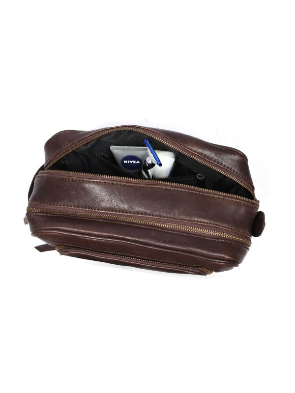 Barcelona Leather Toiletry Bag - Walnut Brown