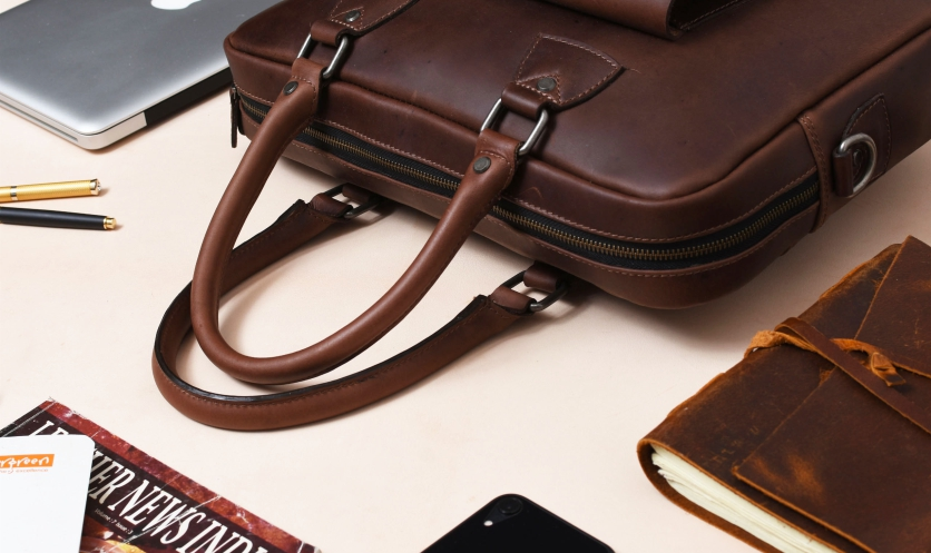PERFECT LEATHER BAGS FOR OFFICE USE