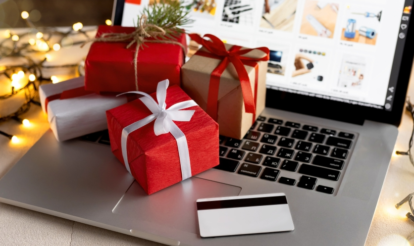 Shop Leather Gifts Online During Christmas
