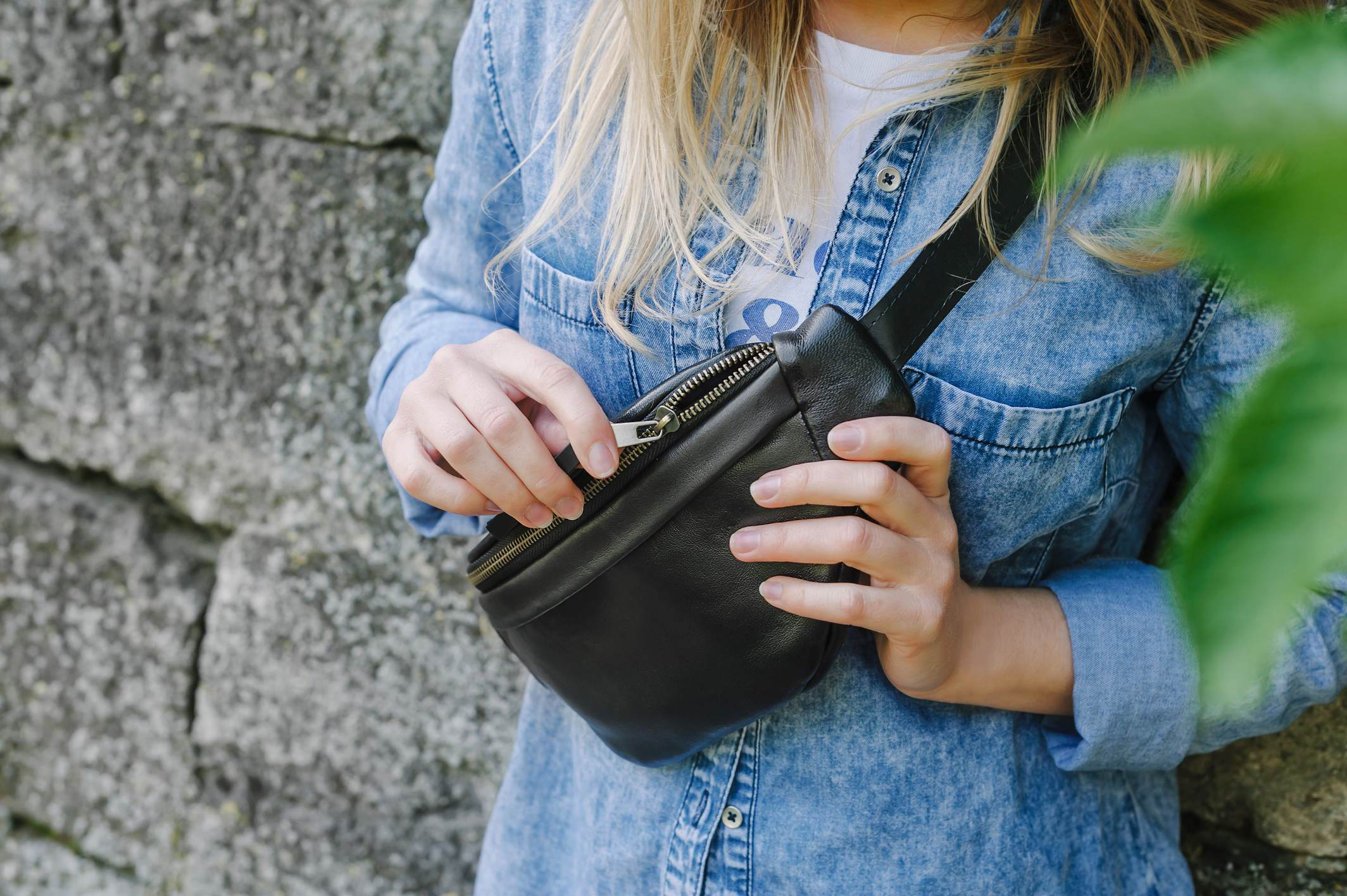 Must Have Travel Leather Sling Bags For Her